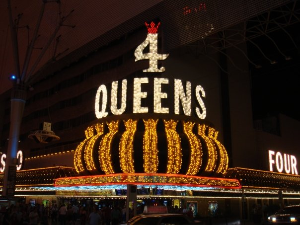 4 Queens on Fremont st
